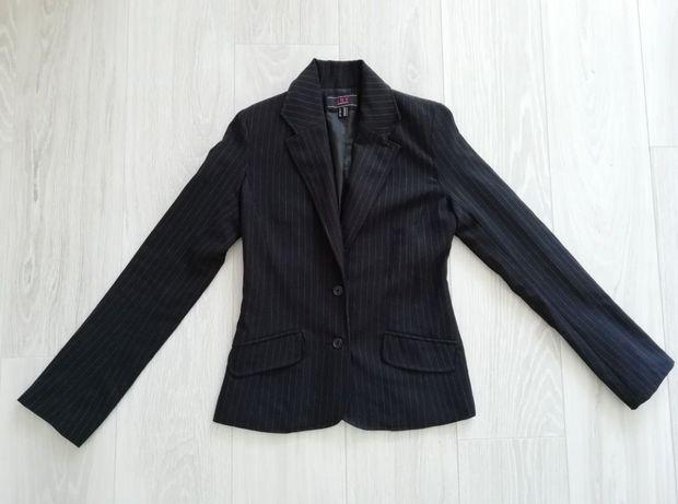 Стильный чёрный пиджак в полоску жакет