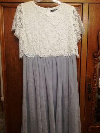 Sukienka z koronki i tiulu