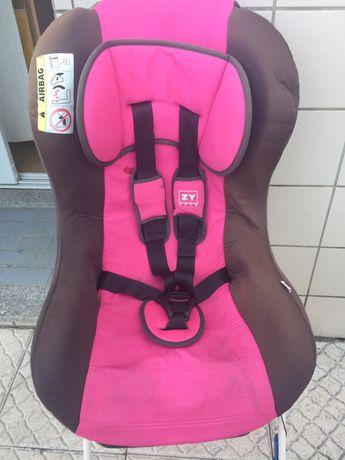 Cadeira auto Zippy.