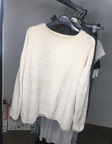 Плюшевый молочный свитерок от Primark