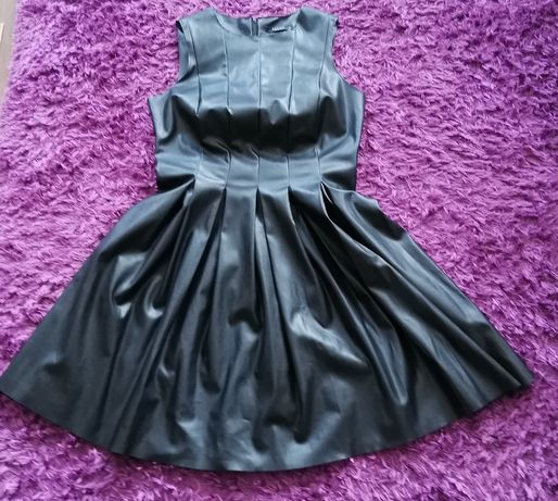 Sukienka MOHITO r. 42 czarna imitacja skóry