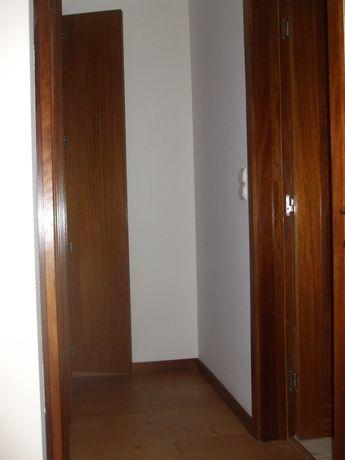 Arrenda-se apartamento T2