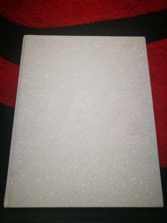 Edição Especial EGOÍSTA – PAZ Livro de capa dura com textos exclusivos