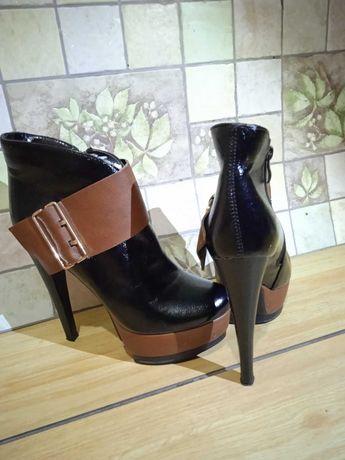 Туфли женские,на высоком каблуке)