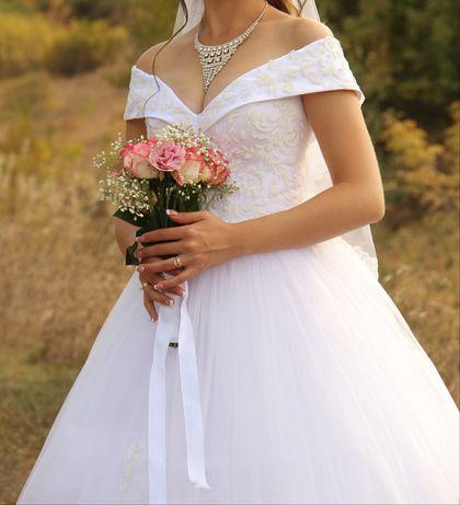 Свадебное платье + юбка на 5 колец - в подарок!
