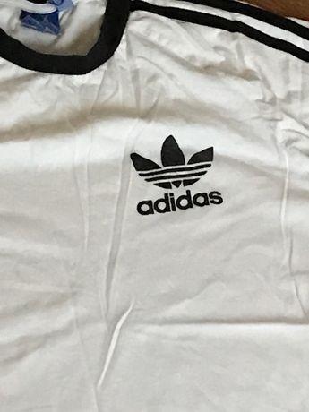 футболка адидас в идеальном состоянии