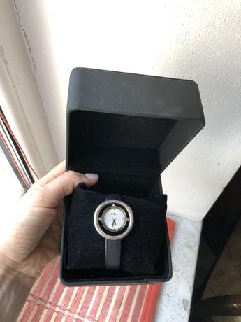 Часы Elite с кожаным ремешком