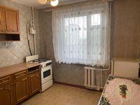 Сдам 2 комнатную квартиру в центре, мебель, холодильник, телевизор