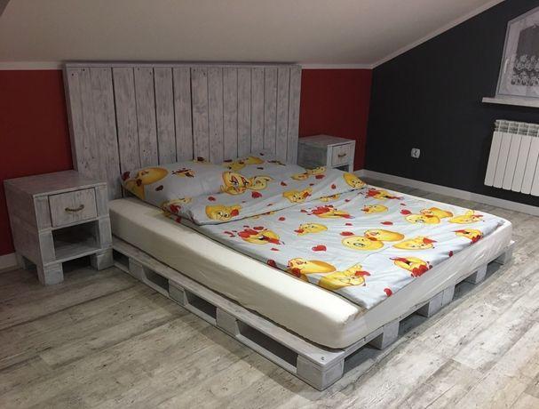 Komplet mebli z palet do sypialni.