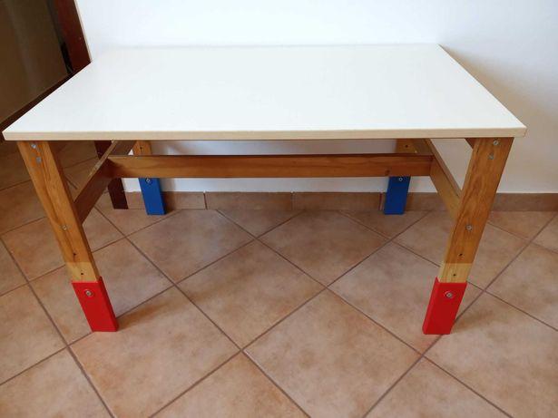 Mesa de criança IKEA