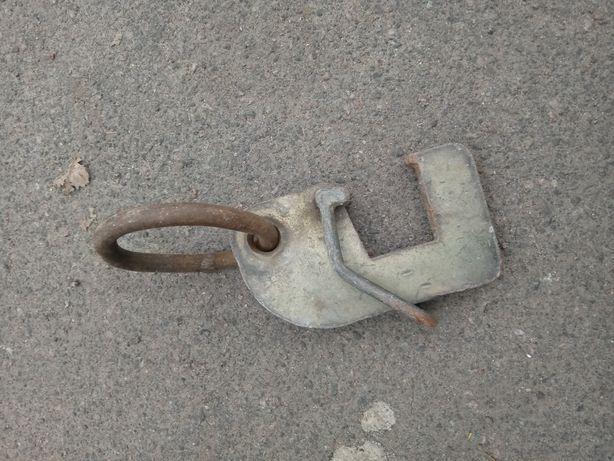 Продам транспортною скобу-захват на Опалубку Робуд.