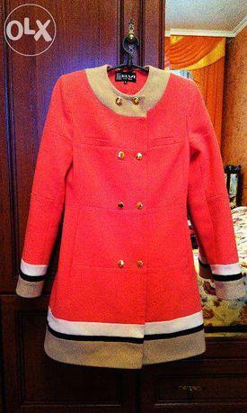 Продам молодежное пальто