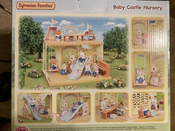 Nowe , w pudelku Sylvanian families zamkowe przedszkole