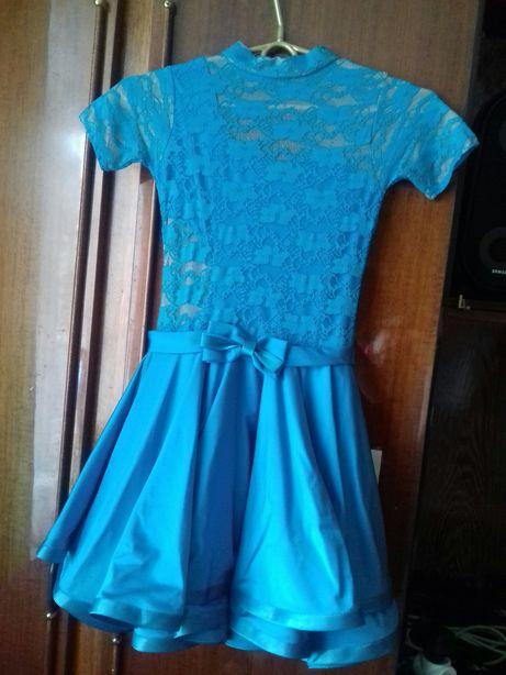 Бальне плаття з рукавичками на дівчинку