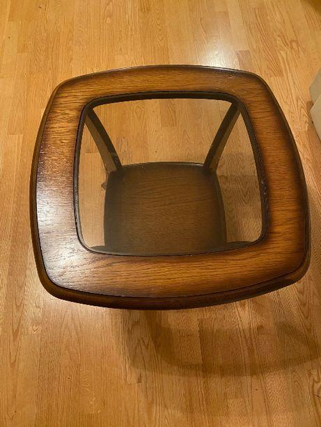 Stolik kawowy z szybą, drewniany
