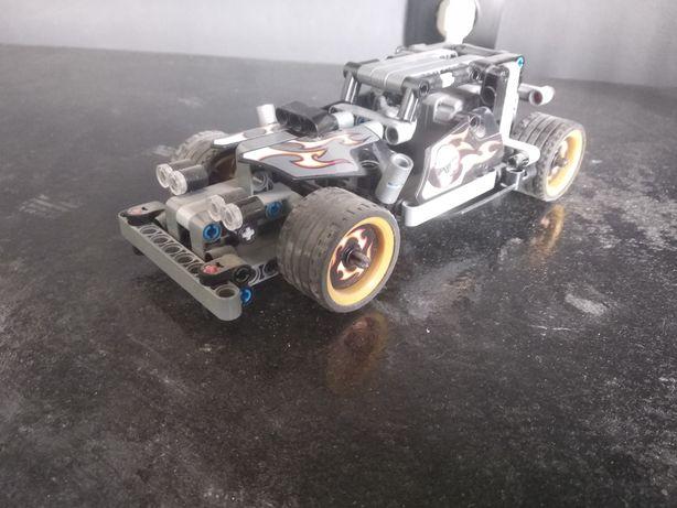 Klocki LEGO wyścigówka