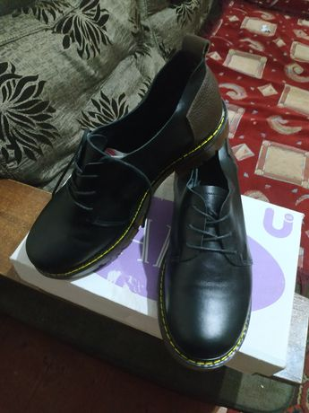 Продам кожаные туфельки,38 размер