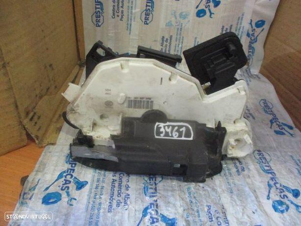 Fechos 15A5K1837015E VW / GOLF 7 / 2015 / FE / 3P / 7 PINOS /