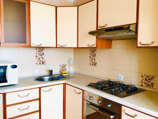 Отличная квартира с евроремонтом и мебелью -Курская 12б.