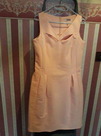 Sprzedam sukienki roz 38-40