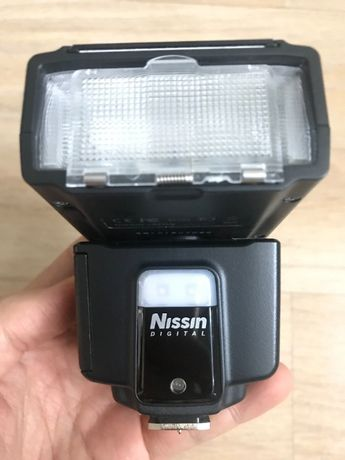 Like-new Flash (for Fujifilm and Sony) and lens XF 18-135mm