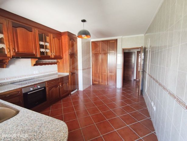 Apartamento T3 perto do centro de Oliveira de Azeméis