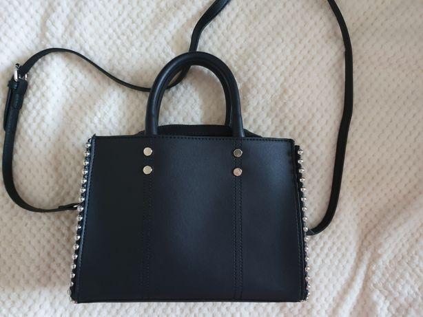 Śliczna czarna torebka Cropp