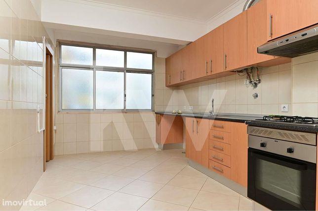 Apartamento T2 Remodelado, Forte da Casa, V. Franca de Xira, Lisboa