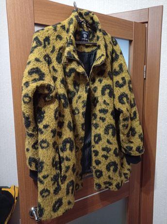 Продам интересное пальто Lerros