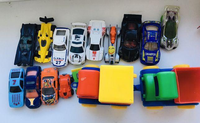 Іграшки,запитуйте, є різноманітні