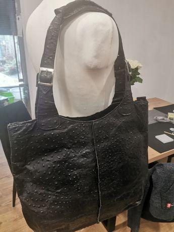Czarna skórzana torebka duża