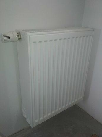 Grzejnik stalowy V33 500 x 500 PURMO + termostat i uchwyty