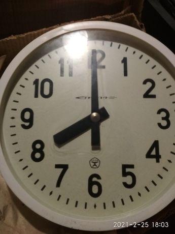 Часы настенные  электрические