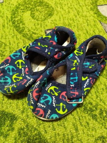 Обувь,тапочки ,тапочки для сада