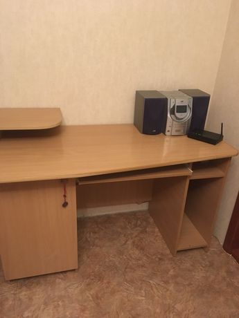 Стол письменно- компьютерный