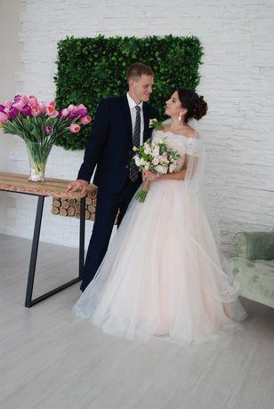 Продам свадебное/вечерние платье и мужской костюм