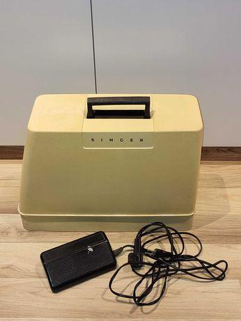 Máquina de costura Singer elétrica com pedal e mala
