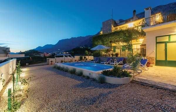 Chorwacja, lato 2022, Makarska, dom dla max. 12 osób, z basenem