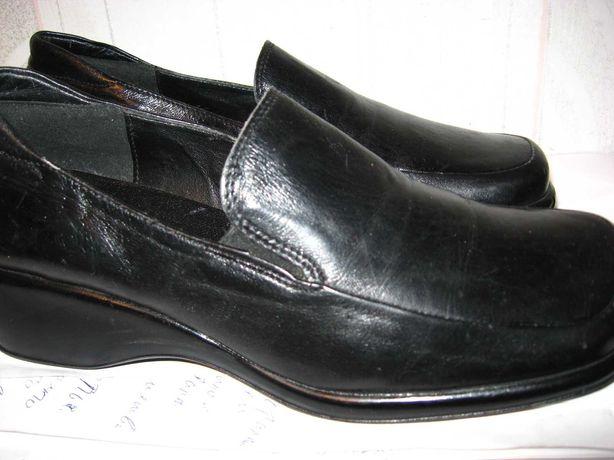 Туфли кожаные осенние закрытые на полненькие ножки. р40