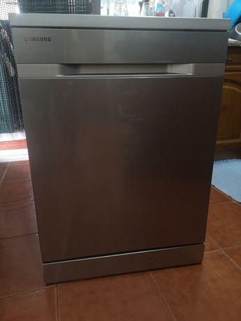 Máquina de lavar loiça Samsung