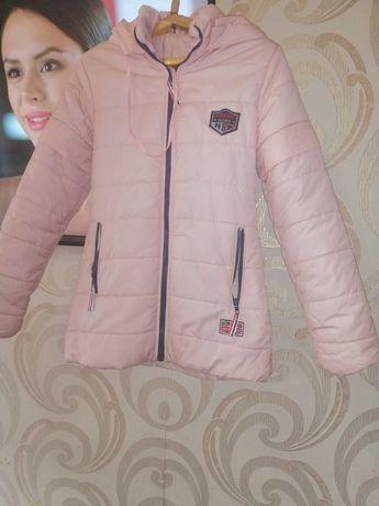 Куртка подростковая 140р.отличное состояние