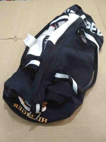 Продам Спортивную сумку Tommy Hilfiger Duffle Bag