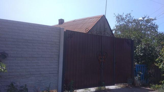 Продам дом в Камышевахе по центральной улице