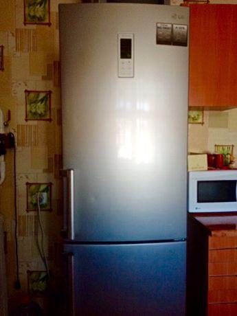 Холодильник двухкамерный LG Total No Frost