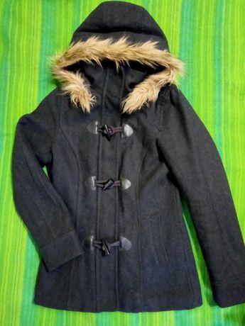 Пальто женское демисезонное. 250 р