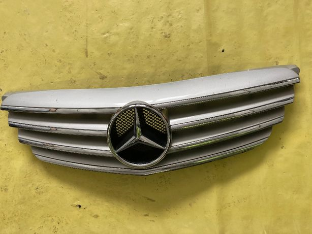 Grill atrapa Mercedes klasa B W245