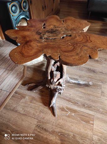 Stolik z drewna egzotycznego