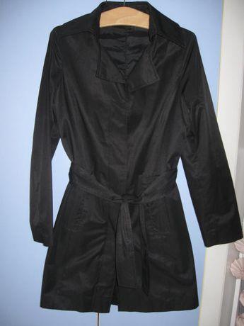 Czarny Płaszczyk Trencz Wiązany Paskiem Firma Mox Clothing 34/36