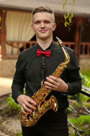 Саксофонист на свадьбу, корпоратив, музыкант Киев Музикант Саксофоніст