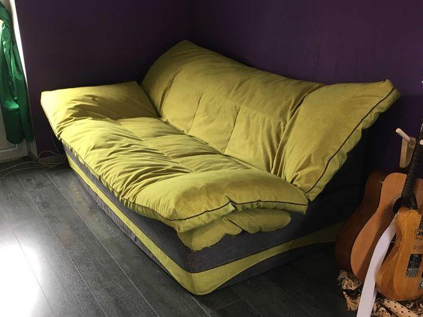 Бескаркасный диван с периной